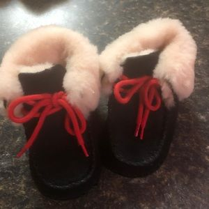 Baby Girl Ugg Boots Size 2/3